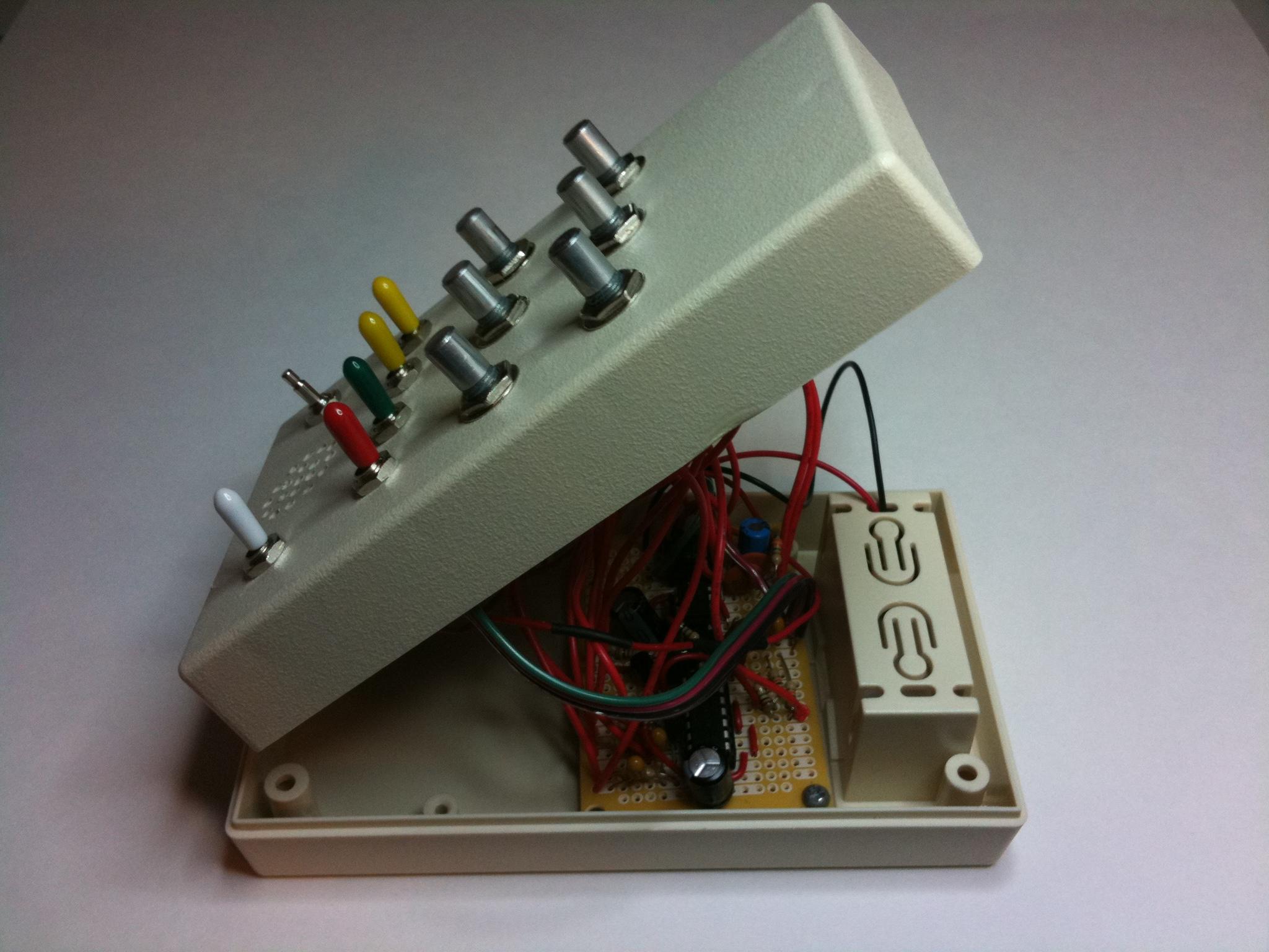 Weird Sound Generator   Mickey Delp dot com